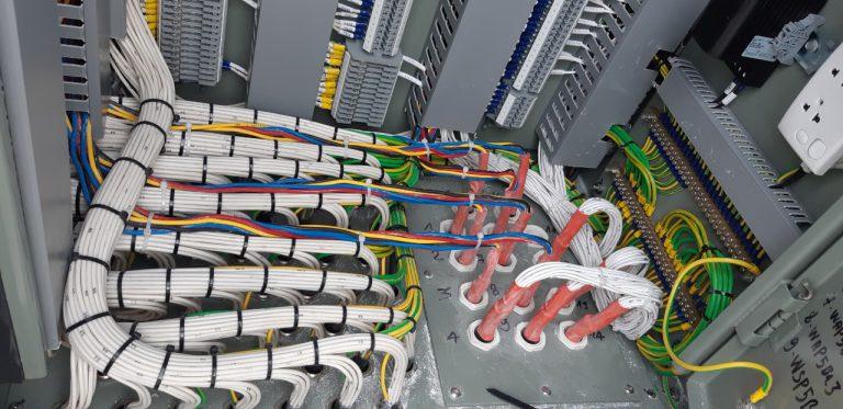 Setechs thi công kéo rãi cáp và đấu nối nhị thứ ngăn lộ mở rộng T2 trạm biến áp 110 kV Tiền Hải, Thái Bình